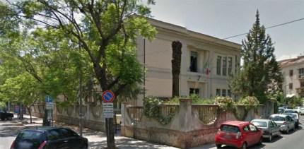 """Palermo, crolla il tetto della scuola elementare """"Nicolò Garzilli"""": sfiorata la tragedia. E il Comune che fa?"""