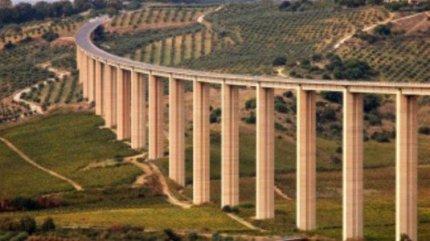 Il viadotto sul Belìce tra paure, brividi e incidenti
