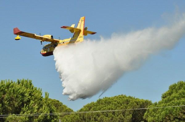 Incendi/ Sorpresa: i Canadair e gli elicotteri antincendio sono gestiti da privati!
