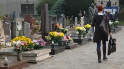 In arrivo il 'regalo' del Governo nazionale: la tassa sui morti, 30 euro all'anno per ogni caro estinto