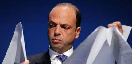 L'hot spot di Palermo? Un 'regalo' del Ministro dimissionario Angelino Alfano (ancora lui!)