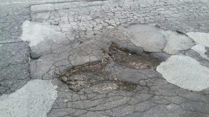 Palermo e le strade piene di buche. E la manutenzione?