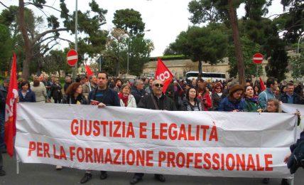 Formazione e 'Sportelli': al via da oggi la protesta in piazza a Palermo