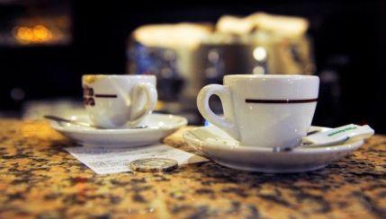 Palermo: entri al bar a prendere un caffè? Stai attento ai vigili con la cinepresa...