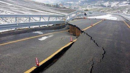 ... e intanto sulla strada Palermo-Agrigento si continua a morire/ MATTINALE 123
