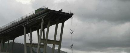 Il crollo del Ponte a Genova, ma la Sicilia non è messa meglio