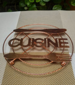 Foto 1. Posafuente metal cuisine