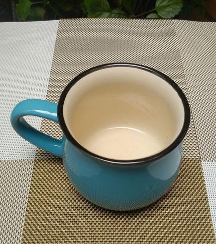 Foto 2. Taza ceramica retro celeste