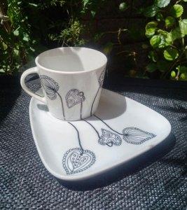 """Foto 3 - Taza + Plato - Diseño """"Hojas"""""""