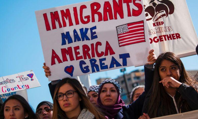 https cdn.cnn .com cnnnext dam assets 170214094237 cnnee milwaukee immigrants protest