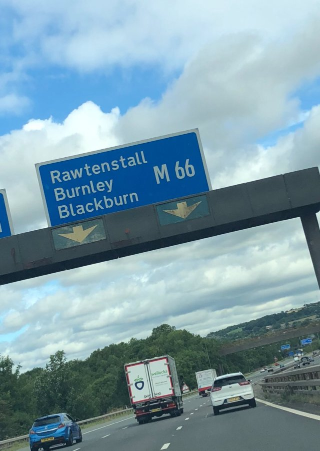 @Trina1903 - Almost in Burnley. Let's do this @AberdeenFC ! 🇵🇪🇵🇪🇵🇪 #StandFree #TwoStars #OneLove