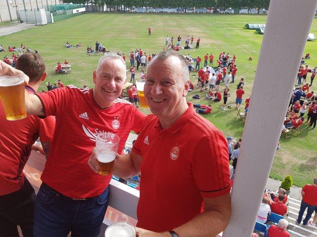 @deanelawson1 - Roasting in Burnley 😁😁😁