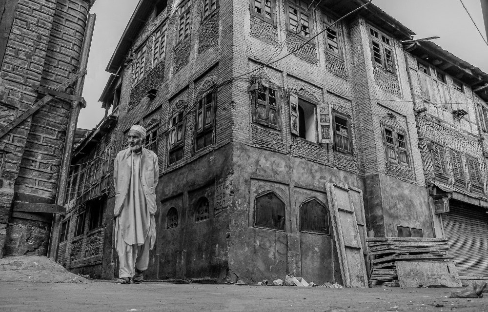 Call to Submissions for Photographers: Kashmir – Paint the Day as