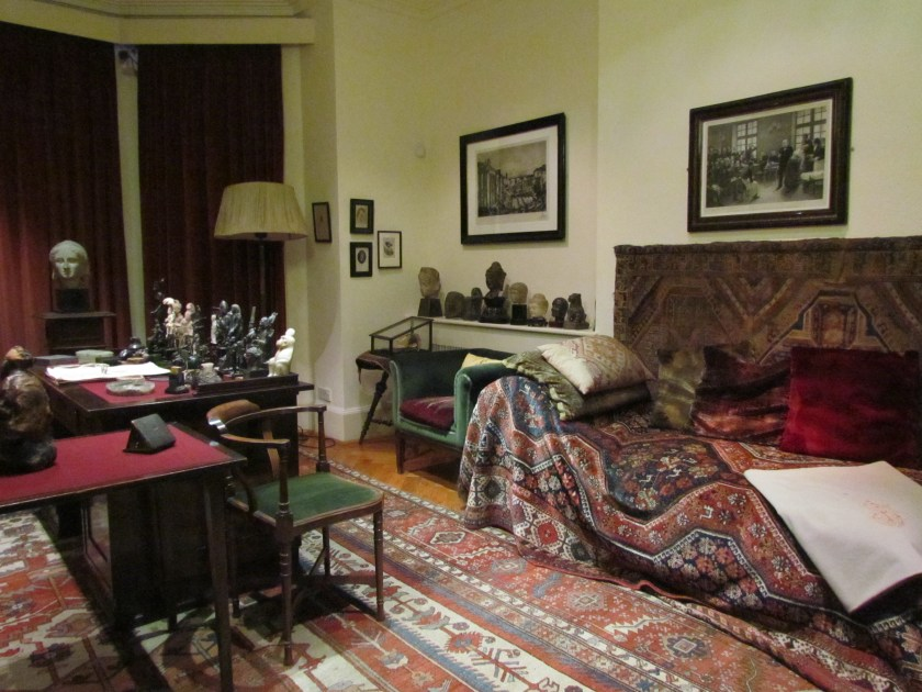 Freud Museum, couch