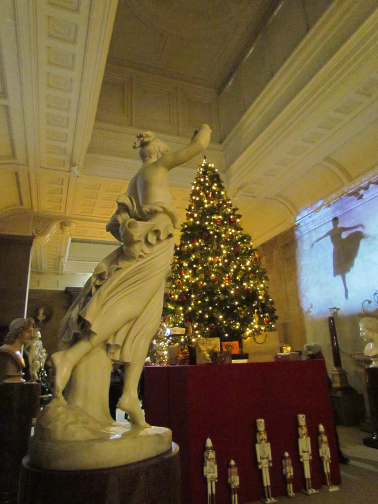 Sculptures and Christmas tree, Chatsworth
