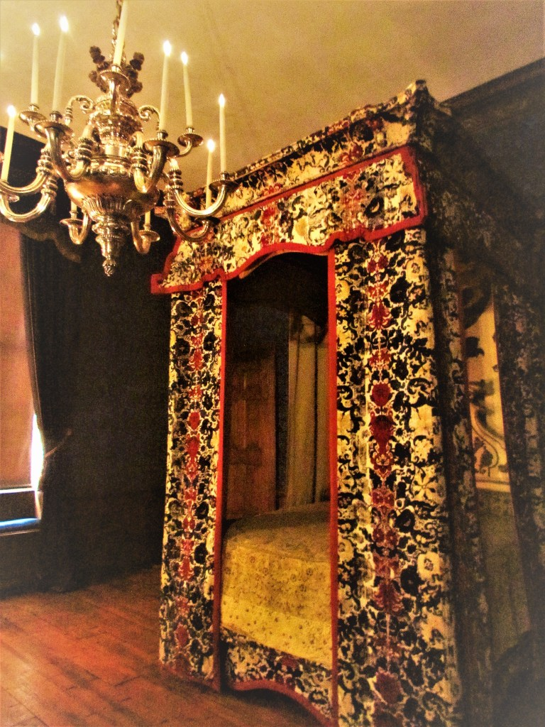 Queen's bedroom, Kensington Palace