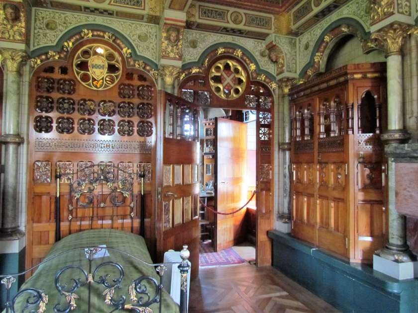 Cardiff Castle - bedroom