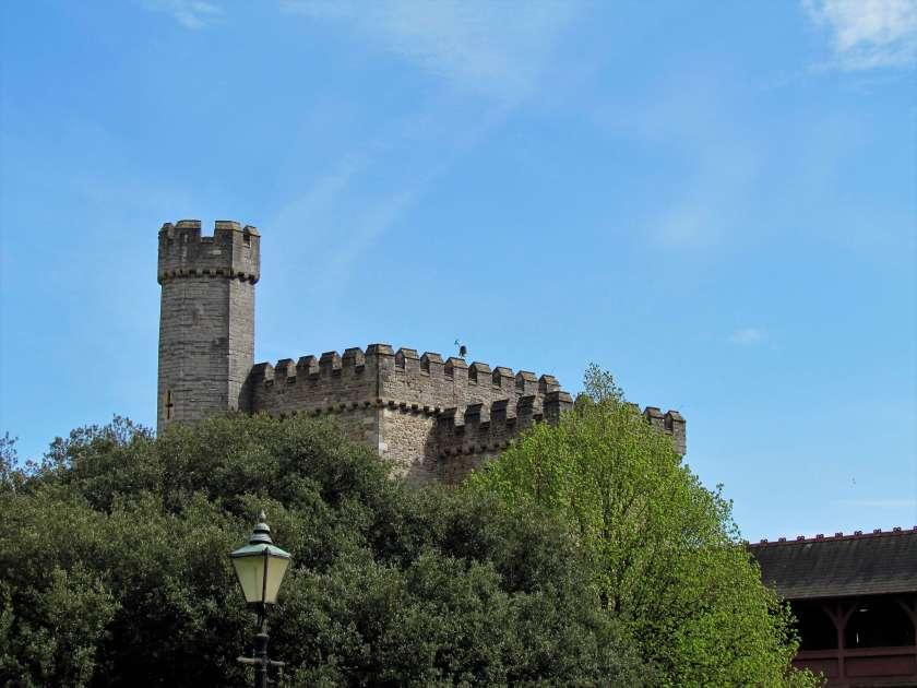 19 top cardiff castle - photo #13