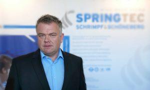 Die-Finanzierungsalternative-zur-Hausbank_Portrait-des-Geschaeftsfuehrers-Knut-Schuster