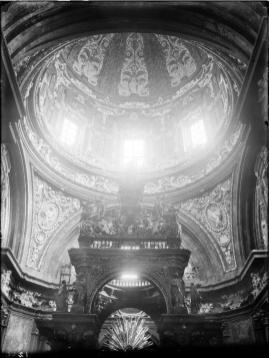 Vista de la cúpula y baldaquino de San Isidro antes de su destrucción.