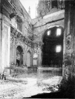 Crucero de la Capilla de San Isidro tras la Guerra.