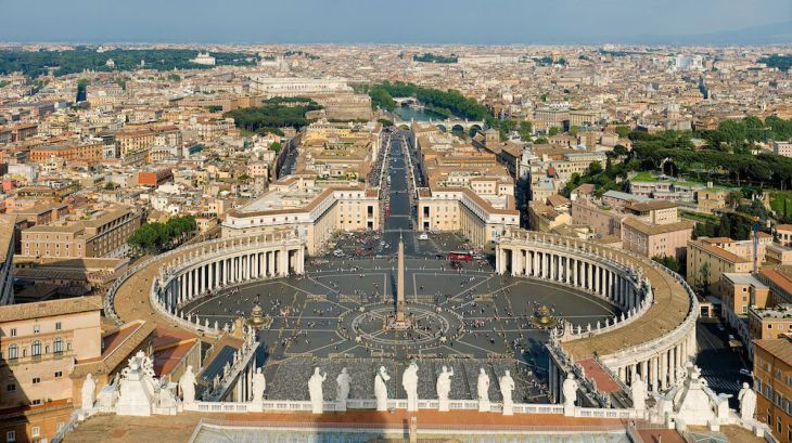 Gian Lorenzo Bernini: Columnada de San Pedro del Vaticano, Roma.