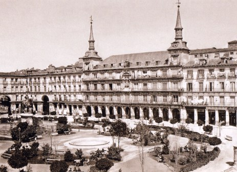 Jean Laurent: Vista de la Plaza Mayor de Madrid. Fondo IPHE.