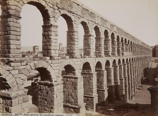 J. Laurent: Vista del Acueducto de Segovia. Fondo IPHE.