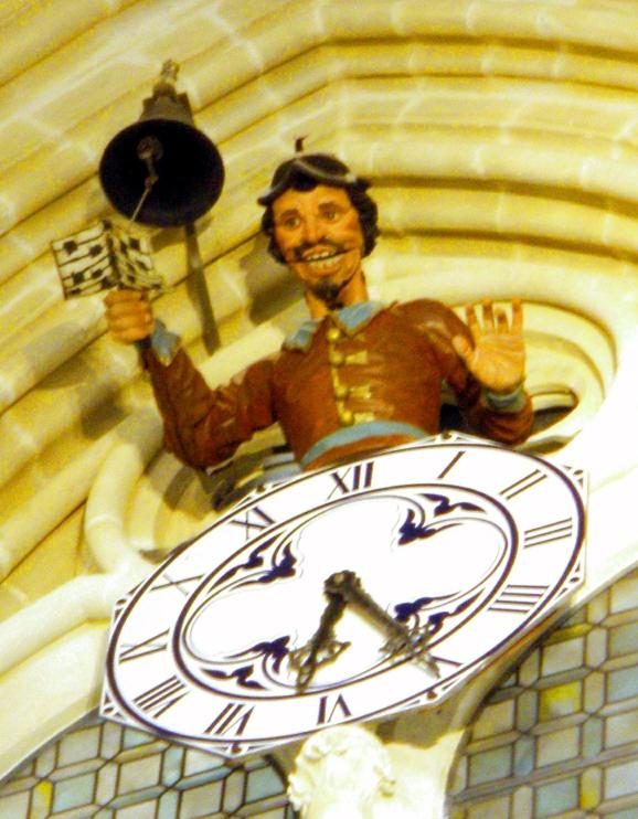 Reloj con el Papamoscas de la Catedral de Burgos. Fotografía: Wikimedia Commons.