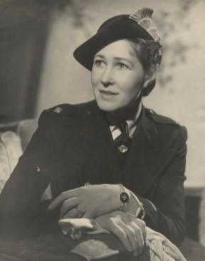 Fred Daniels: Anna Zinkeisen, ca. 1943. National Portrait Gallery, Londres.