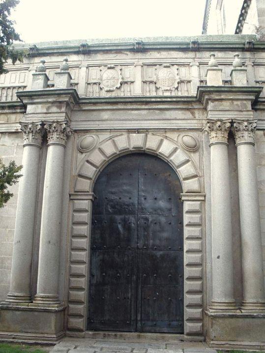 Portada de la capilla de la Anunciación o de Mosén Rubí de Bracamonte, ca. 1560-65.