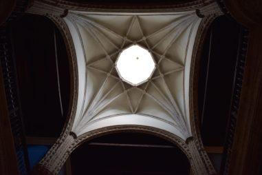 Enrique de Egas. Detalle de la bóveda estrellada de terceletes sobre el crucero de las crujías. Foto: @cipripedia.