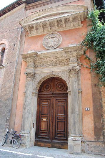 Portada del Real Colegio de España en Bolonia ca. 1525 (por Manuel de Corselas vía Wikimedia)