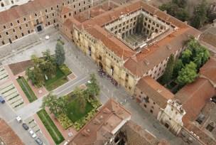 Vista aérea del Colegio de San Ildefonso (por Universidad de Alcalá de Henares).