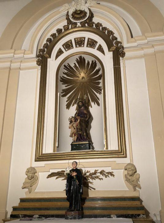 Hornacina de la capilla intermedia del lado de la Epístola