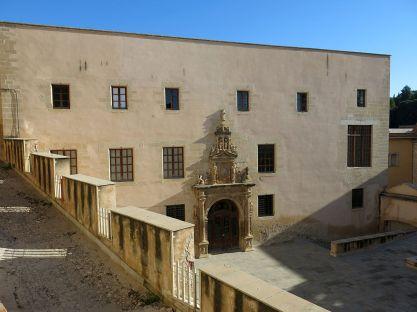 Fachada del Colegio de San Jaime y San Matías, Tortosa (por Enric vía Wikimedia).
