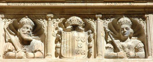 Detalle de la galería en el colegio de San Jaime y San Matías en Torotosa: el emperador Carlos V y la emperatriz Isabel (por Lohen11 vía Wikimedia).
