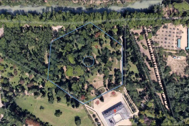 Ubicación del héxagono con la huella que todavía es patente en el terreno a través de Google Maps.