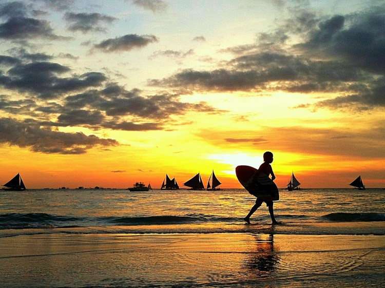 Surfer for Expat Jobs Philippines