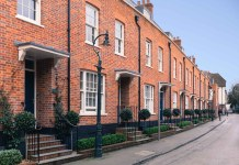 Visits to Rightmove up 5% in first two weeks