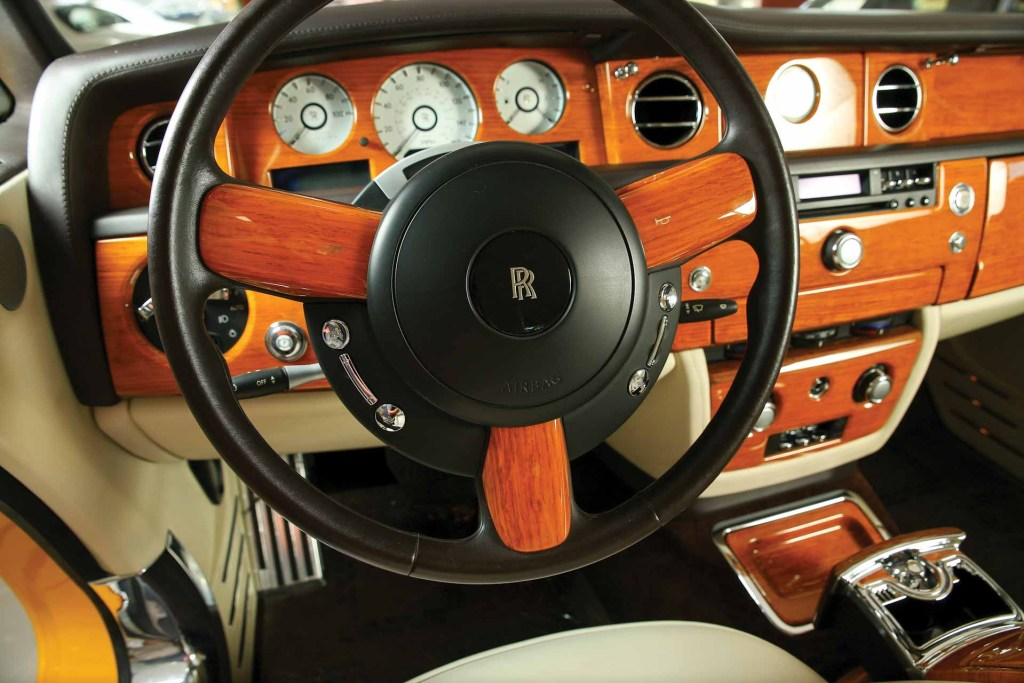 2008 Rolls Royce Phantom Drophead Coupe Bijan dashboard