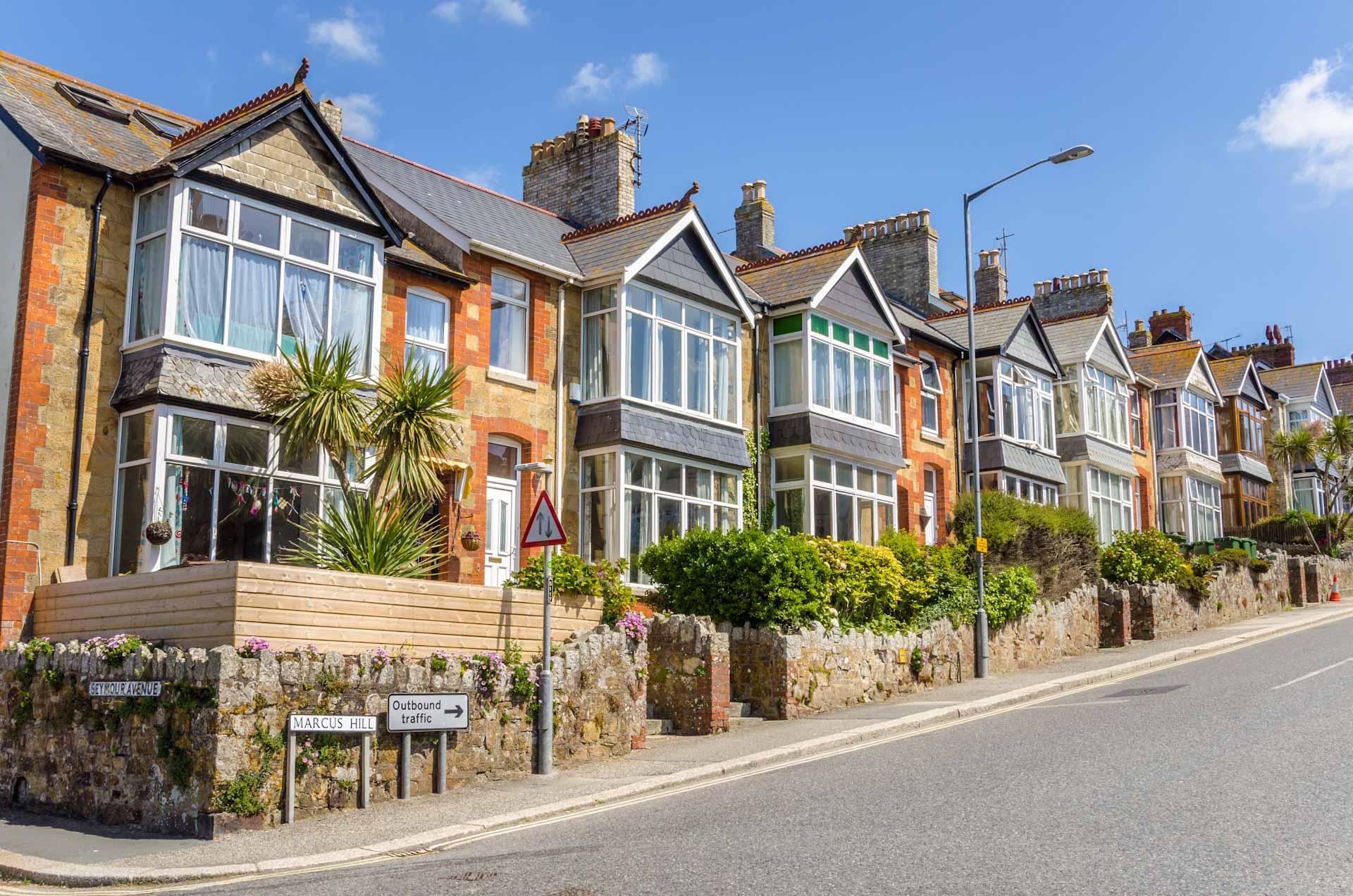 Despite Brexit, property prices rise in UK