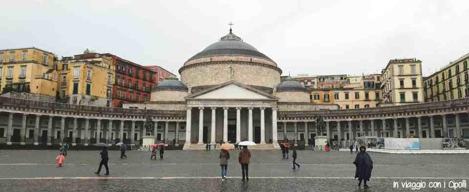 Visitare Napoli Piazza del Plebiscito