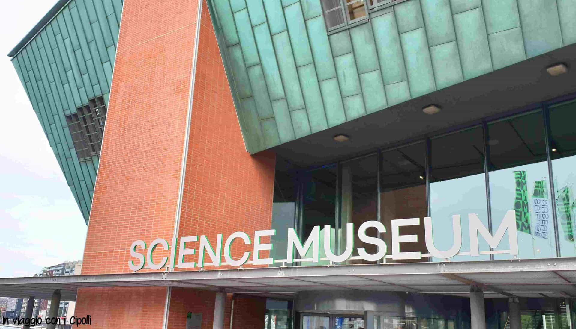 Cosa Vedere Ad Amsterdam Il Museo Nemo In Viaggio Con I