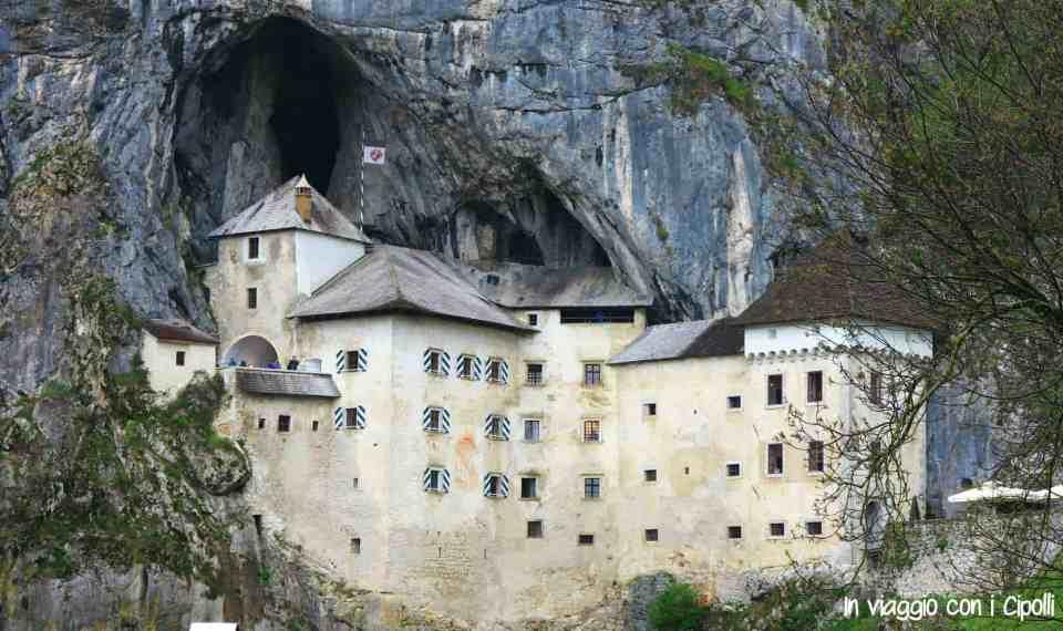 castello di predjama slovenia