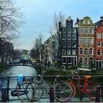 In viaggio verso Amsterdam una città permissiva