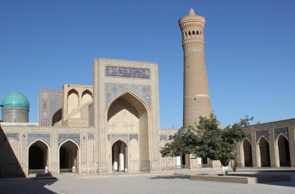 Cortile interno della Moschea Kalon (Bukhara, Uzbekistan)