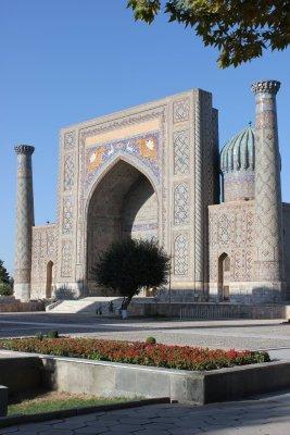Viaggio in Uzbekistan, Medressa Sher Dor al Registan di Samarcanda