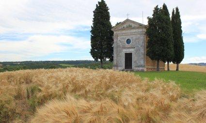Viaggio in Val d'Orcia, Cappella della Madonna di Vitaleta (Toscana, Italia)