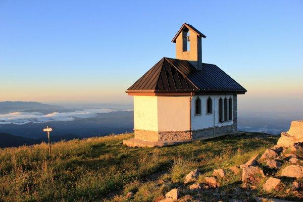 Viaggio in Friuli Venezia Giulia, chiesetta del Cristo Redentore sul Monte Matajur (Italia)
